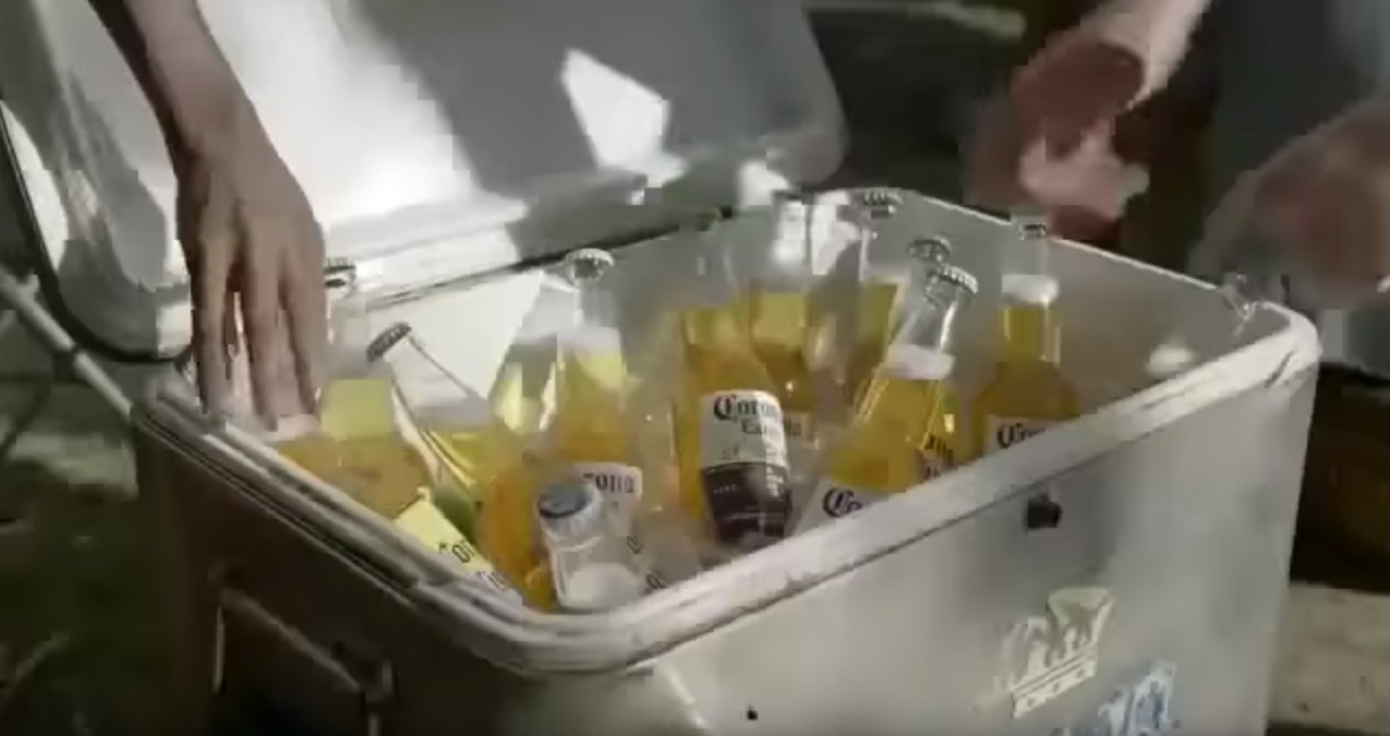 How to Keep Ice From Melting at a Party